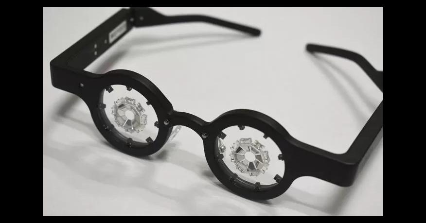 レーシック手術はまだしない方がいい?視力回復メガネが登場する?
